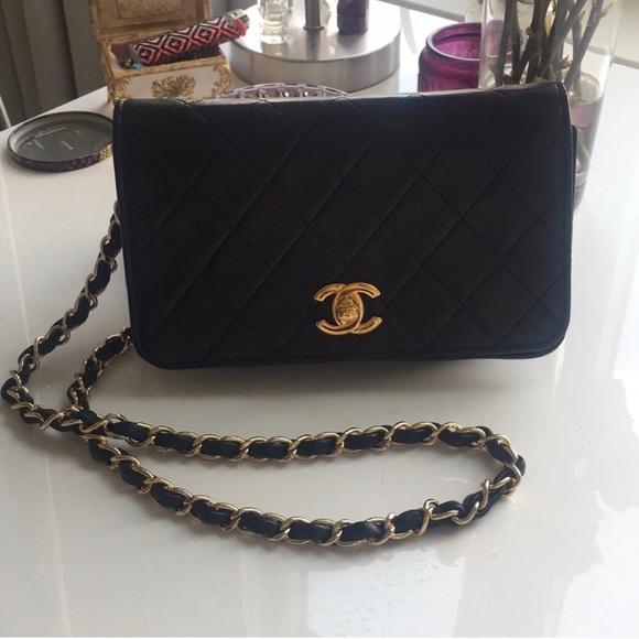 9ed91e48defe CHANEL Handbags - Authentic Vintage Chanel Single Flap - Black